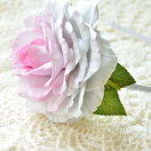 "Ободок с розой ""Белая красавица"""