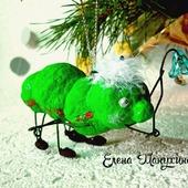 Ватная ёлочная игрушка - гусеница с фонариком