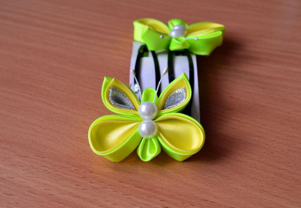 Заколка бабочка из атласных лент в технике канзаши