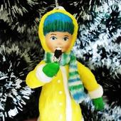 Ватная елочная игрушка - девочка с мороженым
