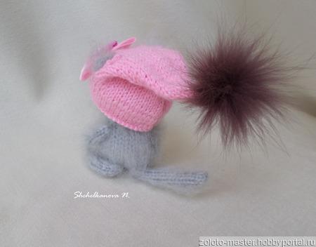 """Кошечка """"С лошадкой"""" - интерьерная игрушка, пушистик, сувенир ручной работы на заказ"""