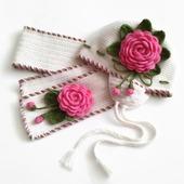 Шапка и шарф из шерсти для девочки. Комплект Розовые розы