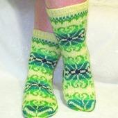 """Носки """"Радужные снежинки"""" жёлтые с зелёным подарок женщине"""