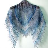 Ажурная шаль из тонкого итальянского мериноса ручного окрашивания