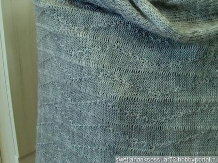 Палантин серый вязаный с бахромой ручной работы на заказ