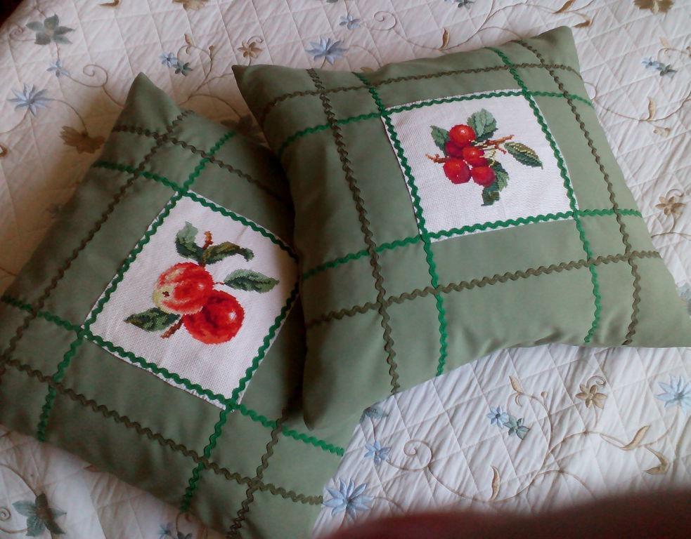 Как сшить подушка с вышивкой крестом 73