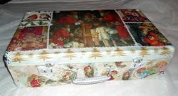 Чемодан для хранения новогодних игрушек