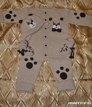 Комплект для младенца из мериноса на вязальной машине