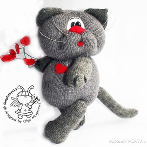 Вяжем игрушку спицами «Влюбленный кот»