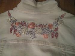 Вышивка ленточками на одежде
