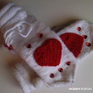 Варежки с сердечками -валентинки