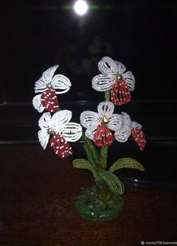 Орхидея из бисера