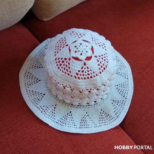 Шляпа вязанная крючком