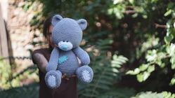 Мишка Тедди связан крючком из плюша