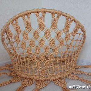 Круглые садовые плетеные кресло-качели в технике макраме