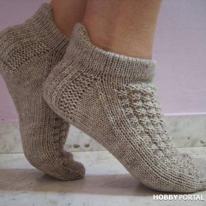 Короткие носки с высоким задником.