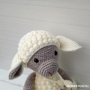 Вязаная овечка Молли