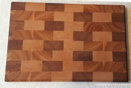 Доска разделочная торцевая из натурального дерева для вашей кухни ручной работы на заказ