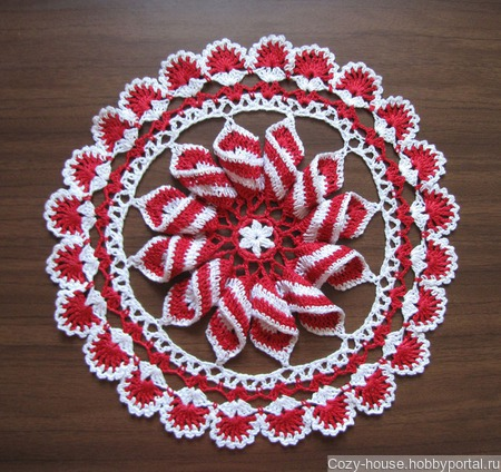 """Салфеточка """"Peppermint Pinwheel"""" ручной работы на заказ"""