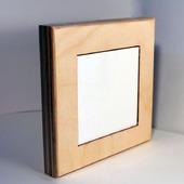 Деревянная рамка с керамической плиткой