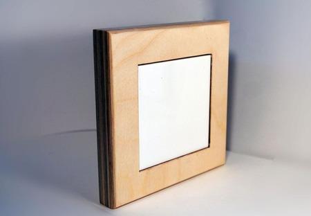 Деревянная рамка с керамической плиткой ручной работы на заказ