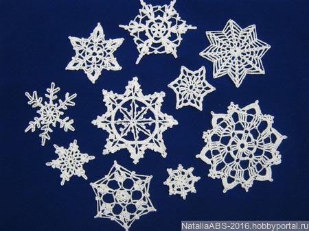 Ажурные снежинки для украшения ёлки и дома ручной работы на заказ