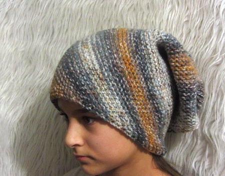 Женская зимняя вязаная шапка с отворотом объемная разноцветная ручной работы на заказ