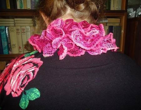 Шарфик Дантелла от розового до вишневого ручной работы на заказ
