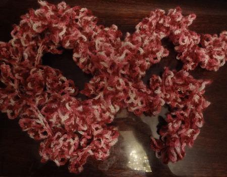 Шарфик «Тысяча вишевых лепестков» ручной работы на заказ