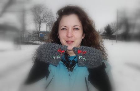 Варежки Ёжики-девочки ручной работы на заказ