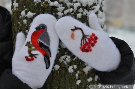 Варежки валяные со снегирями ручной работы на заказ