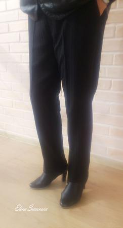 Брюки классические из костюмной ткани со стрелками и карманами ручной работы на заказ