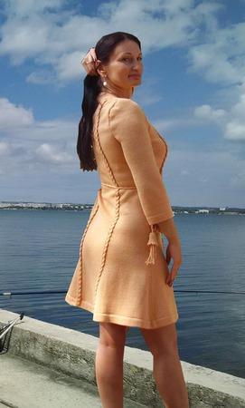 """Вязаное платье """"Солнечный персик """" ручной работы на заказ"""