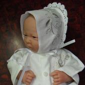 Набор для новорожденного с вышивкой.