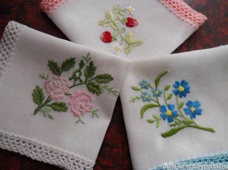 Платочки носовые с кружевом и вышивкой нарядные ручной работы на заказ