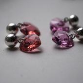 Серьги-сердечки с кристаллами Сваровски с покрытием серебро