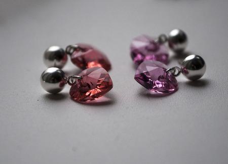 Серьги-сердечки с кристаллами Сваровски с покрытием серебро ручной работы на заказ