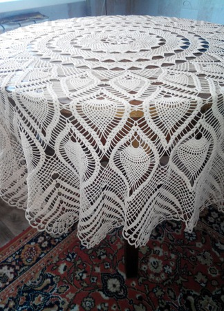 Скатерть на круглый стол ручной работы на заказ