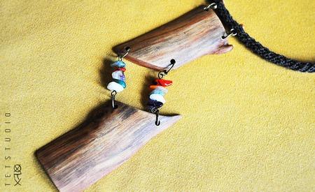 """Крупная натуральная подвеска из дерева и самоцветов """"Яблоневый сад"""" ручной работы на заказ"""