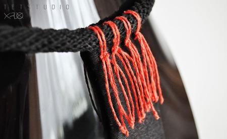 Красное и Черное - натуральное льняное колье с крупной подвеской ручной работы на заказ