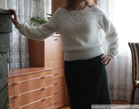 Кофточка с ажурной кокеткой ручной работы на заказ