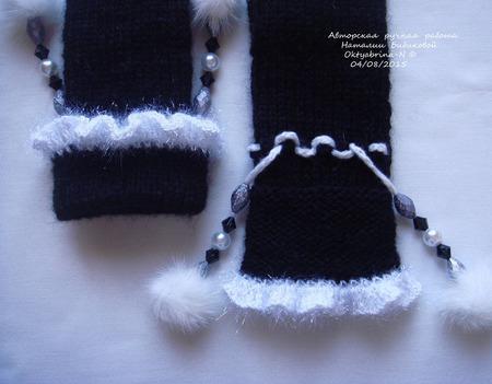 """Варежки """"Мышки в стильных чёрненьких пальтишках"""" ручной работы на заказ"""