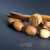 Длинное ассиметричное ожерелье с вставками из экзотического зебрано