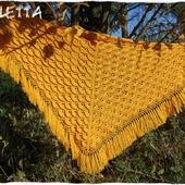Жёлтая шаль.Шаль вязаная крючком