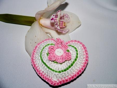 Валентинка сердечко вязанное интерьерное ручной работы на заказ