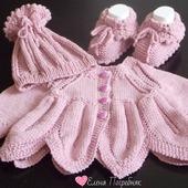 """Комплект вязаный для новорождённого """"Пыльная роза"""""""