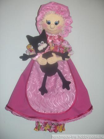 """Интерьерная кукла-пакетница """"Бабуля с котиком"""" ручной работы на заказ"""