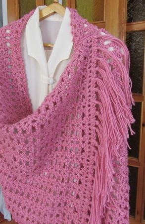 Палантин  крючком  розовый гиацинт ручной работы на заказ