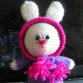 Зайчонок в капюшоне