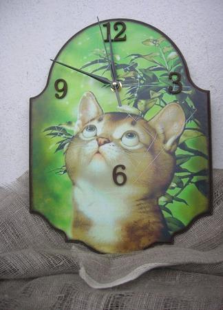 Настенные часы Кот и паутина ручной работы на заказ